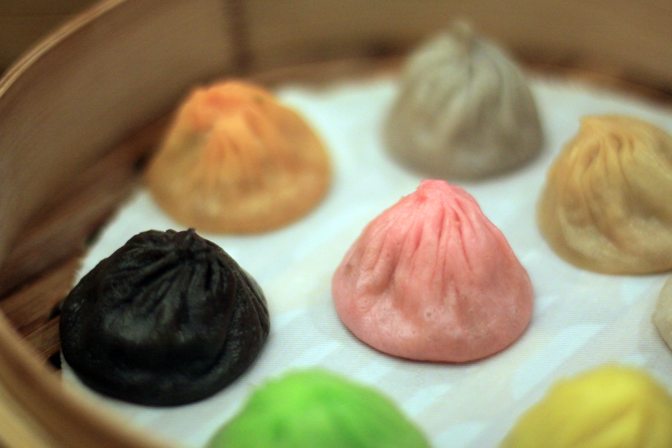 Paradise Dynasty - Multi-Coloured Xiao Long Bao At Ion Orchard