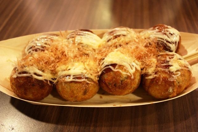 Gindaco Takoyaki - What's The Long Queue At Ion All About?