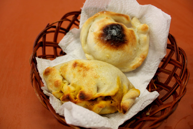 "Pizza & Empanadas - An Argentinian ""Curry Puff"" anyone?"