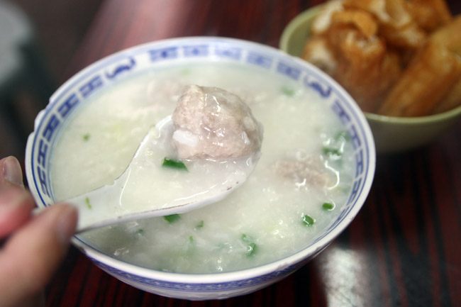 Macau Cheng Ji 成记粥品 - Best Congee Ever In A Road Side Lane