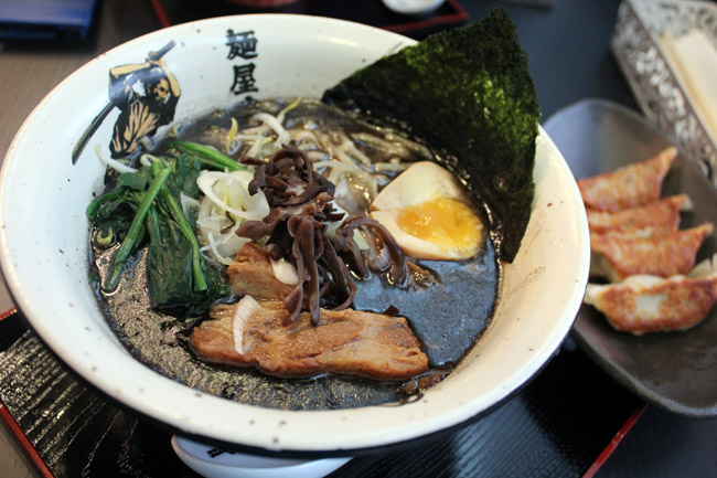 Menya Musashi - Worth To Queue For The Coveted Ramen?