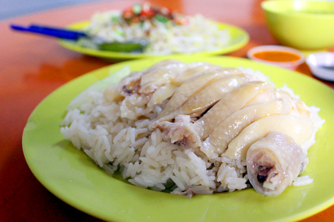 Tian Tian vs Ah-Tai – Who Wins The Chicken Rice War?