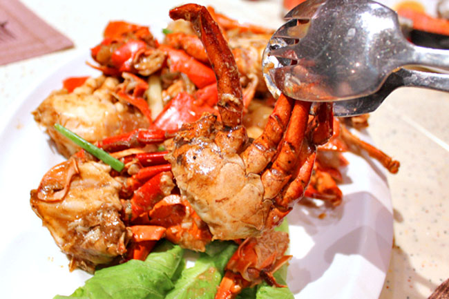 Plaza Brasserie – Crab Buffet! Eat to Your Crab's Content
