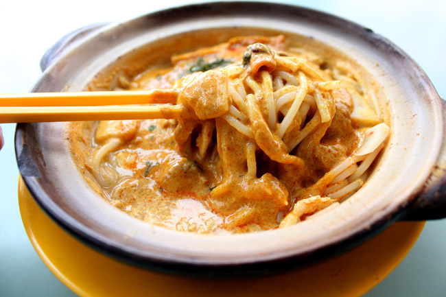 Alexandra Village Claypot Laksa – Best Sizzling Hot Laksa Ever, Now With Michelin Bib Gourmand