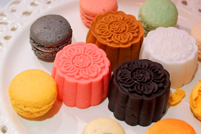 5 Best Mooncakes for 2012 – The Good, The Pretty and The Weird