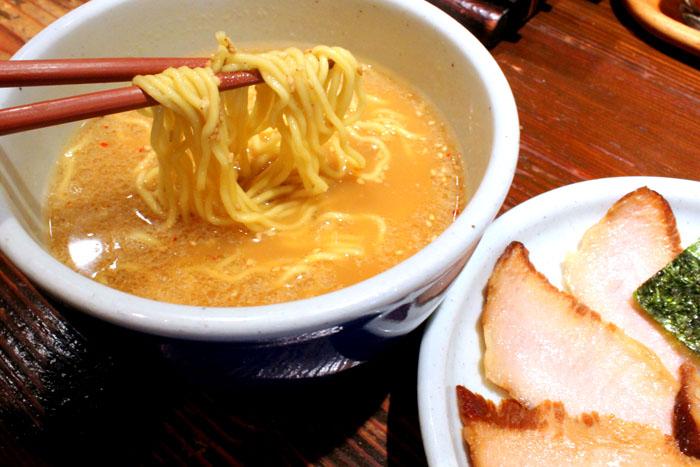 Ramen Santouka 山頭火 – Famed Toroniku Pork Cheeks Ramen at Shinjuku Tokyo