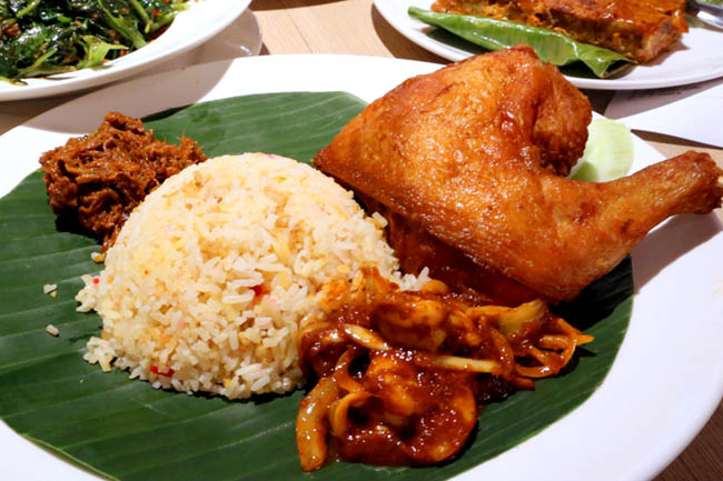 [Closed] Madam Kwan's – Famous Nasi Lemak Restaurant at Vivocity
