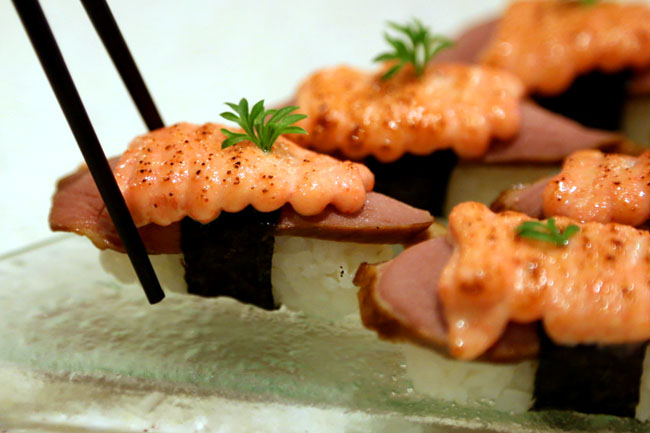 Sakae Sushi – How They Make Their Sushi Better and Faster