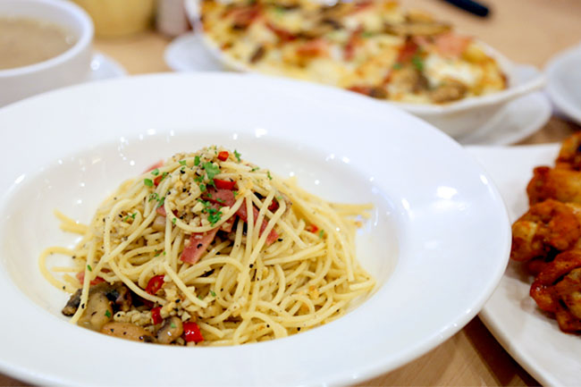 Pizza Hut – Not Just Pizzas, But 12 Different Pasta Perfetto Dishes!