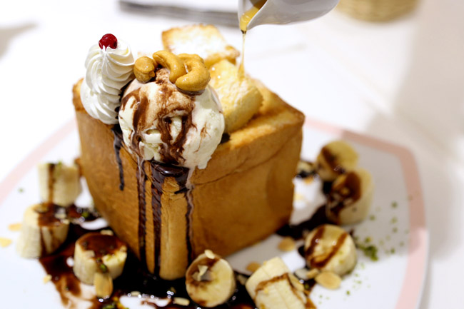 Dazzling Cafe - Taiwan's Popular Shibuya Toast Comes To Singapore at Capitol Piazza
