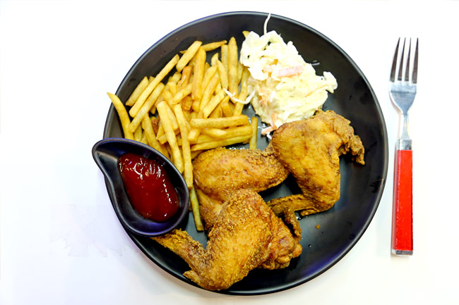 "Chicken Up Little – ""Best"" Korean Fried Chicken Opens a Little Stall at Bugis"