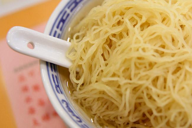 Mak's Noodle 麥奀雲吞麵世家 - Hong Kong's Most Famous Wanton Noodles