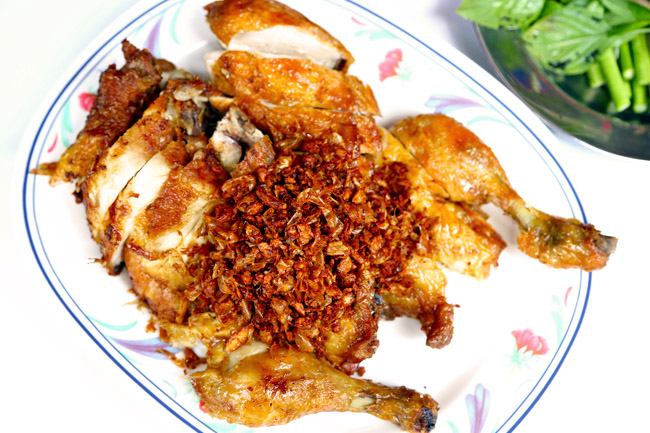 Polo Chicken – Possibly Bangkok's Best Fried Chicken, Along Wireless Road