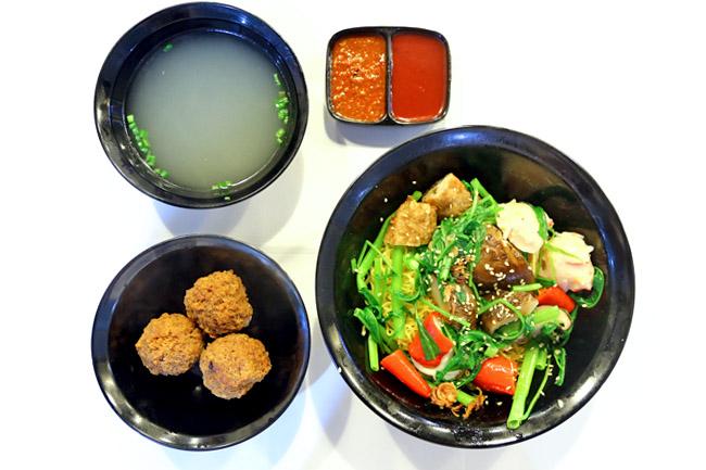 My Favourite Café – Lucky Plaza's 'Meatballs' Yong Tau Foo Opens At Bugis Cube