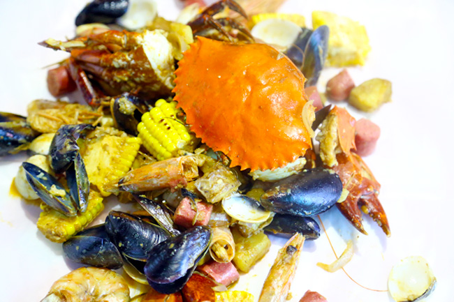 Wholly Crab – Actress Felicia Chin Opens Louisiana Seafood Stall With Local Twist