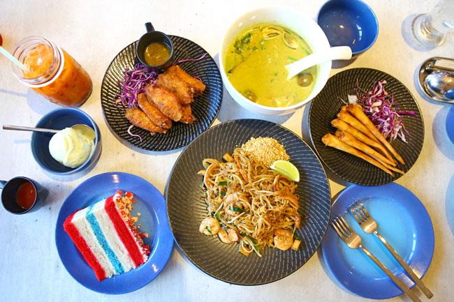 Gin Khao - Thai Restaurant At East Coast. Check Out The Thai Flag Cake