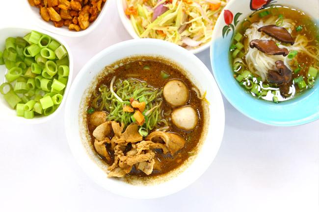 Loylum - $2 & $5 Thai Boat Noodles At Sam Leong Road