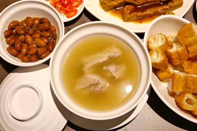 Tuan Yuan Pork Ribs Soup 团缘肉骨茶 - Ya Hua Sets Up Bak Kut Teh Eatery At Tiong Bahru