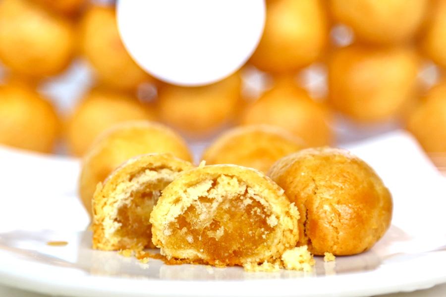 Favourite Pineapple Tarts for Chinese New Year - DanielFoodDiary.com