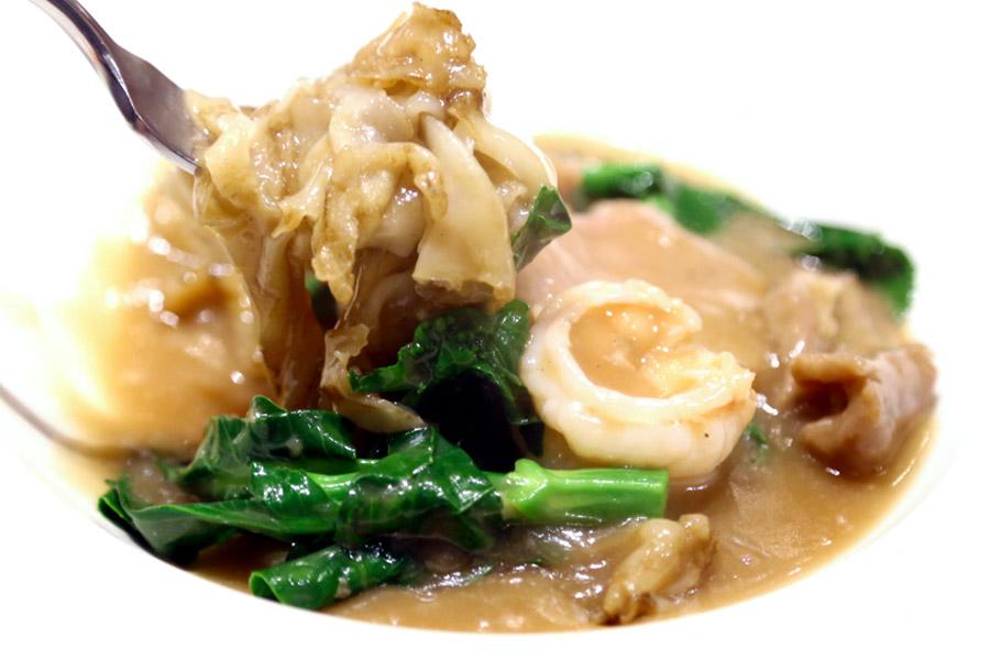 Lukkaithong - Hong Kong Style Food In Bangkok, Best For Their Hor Fun