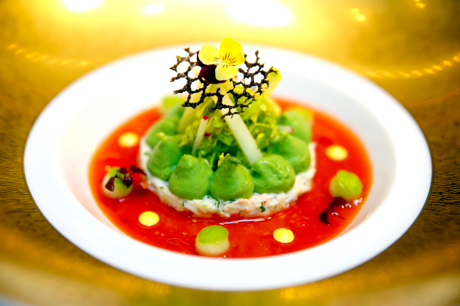 Joël Robuchon Restaurant - Singapore's 1st and Only 3 Star Michelin Restaurant