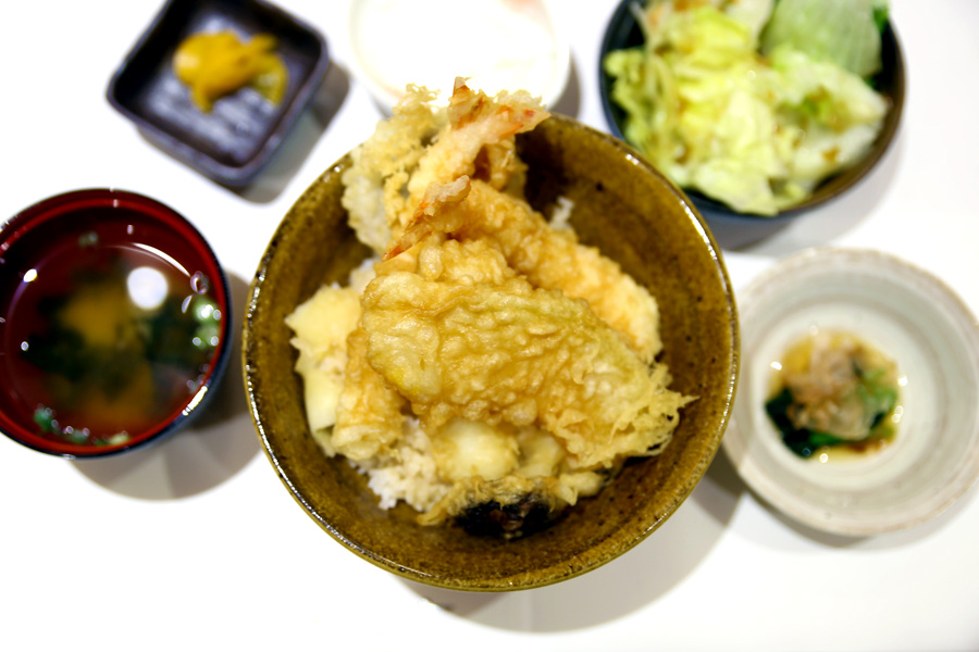Tempura Tsukiji Tenka - Tendon & Kaisendon at Japan Food Town