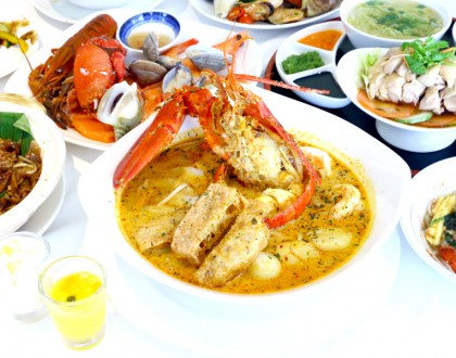 AquaMarine – Seafood Galore, Halal Certified Buffet Stations at Marina Mandarin. Promo: 15% OFF with UnionPay Cards!
