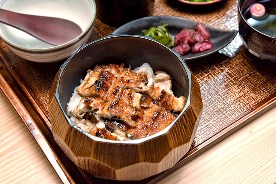 Man Man by Teppei - Unagi Specialty Restaurant In Singapore, Fresh Eel CUT LIVE. With Michelin Bib Gourmand