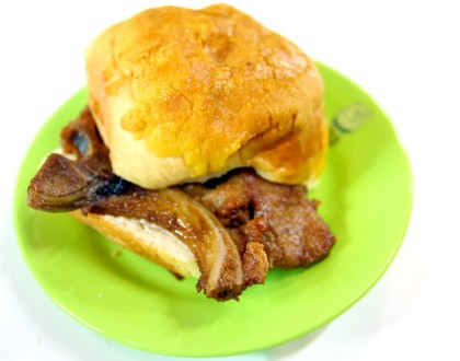 Tai Lei Loi Kei – Famous Macau Pork Chop Bun, Now At Both Vivocity & NEX