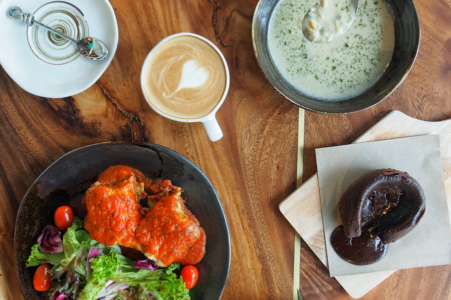 Art OVAS – An Art Café Well Hidden At Kaki Bukit