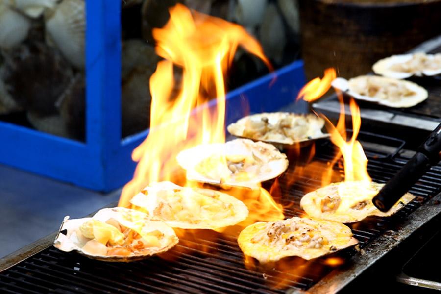 Hasil gambar untuk myeongdong street food