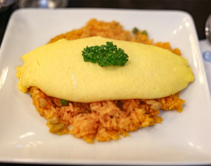 Taimeiken Tokyo - Soft, Fluffy Omurice. The 'Surprise' When You Cut Through