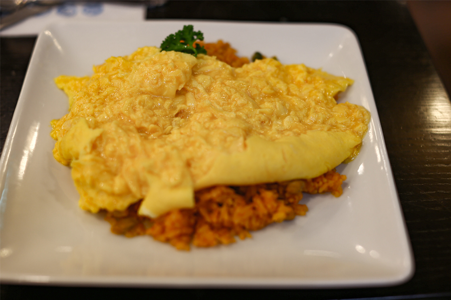 Taimeiken Tokyo – Soft, Fluffy Omurice. Oddly Satisfying When You Cut Through The Egg