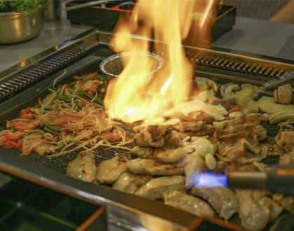 Donjjang – Korean Barbecue With Dramatic BIG Fire, Go For The Army Stew