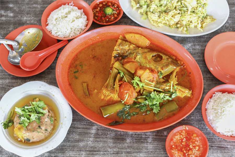 Zai Shun Curry Fish Head – Popular Steamed Fish, Teochew Porridge At Jurong East, With Michelin Bib Gourmand