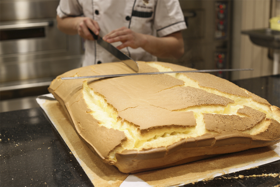 Japanese Jiggly Cake Recipes: Famous Jiggly Castella Cake Shop In
