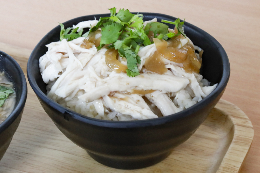 Eat 3 Bowls – Classroom Themed Taiwanese Café With Tasty Lu Rou Fan