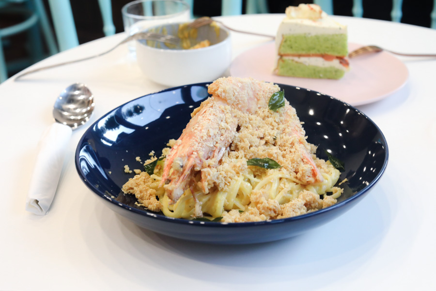 The Green Ducklings – Café Offering Unconventional Food From Cereal Prawn Pasta, Smoked Salmon Cake To Carrot Cake With Nacho Cheese