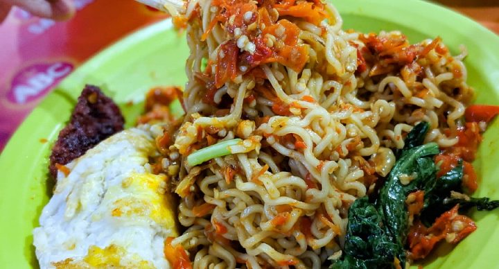 Warmindo Abang Adek, Jakarta – Indomie With 100 Chilli Padi, Possibly The Spiciest In The World