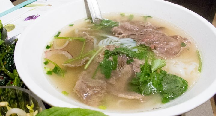 Chua Lam's Pho 蔡瀾越南粉 – Celebrity Food Critic Opens Vietnamese Pho Shop At Hong Kong Central