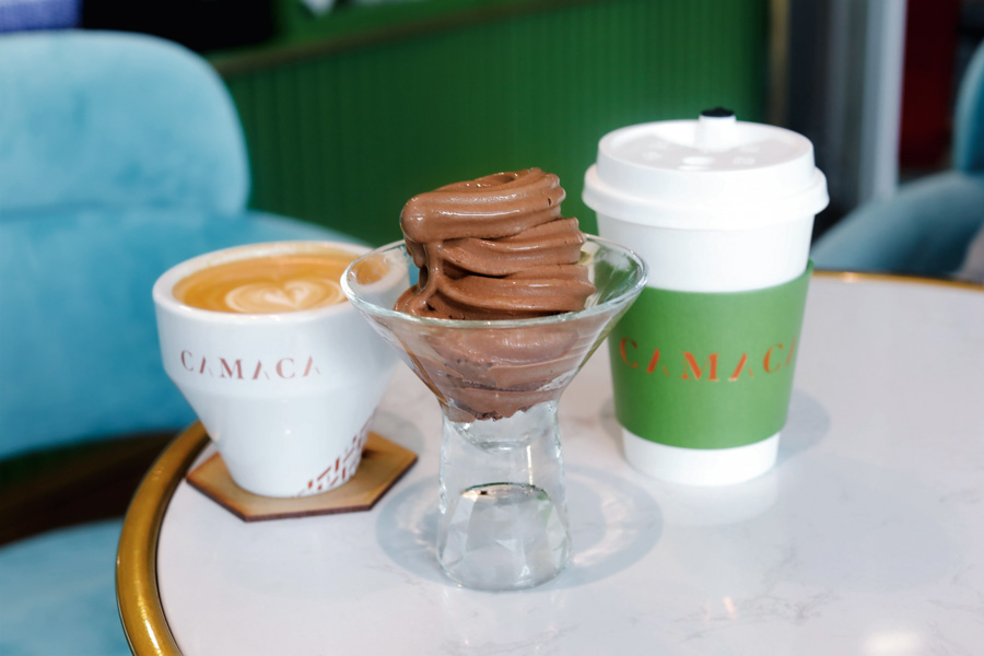 "Camaca - Gorgeous Cafe Serving ""Giant Macarons"" Which Are Actually Gelato, At King Albert Park"