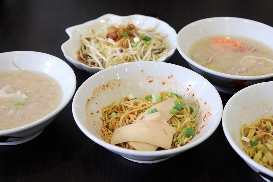 Ah Hoe Mee Pok 阿和麵薄 - Famous Mee Pok Stall Opens Eatery At Tanjong Katong, Not Quite The Same Anymore