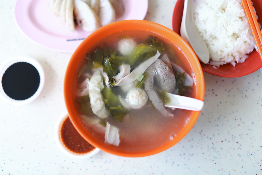 "Koh Brother Pig's Organ Soup - Famous ""Zhu Za Tang"" With Glutinous Rice Rolls At Tiong Bahru, With Michelin Recommendation"