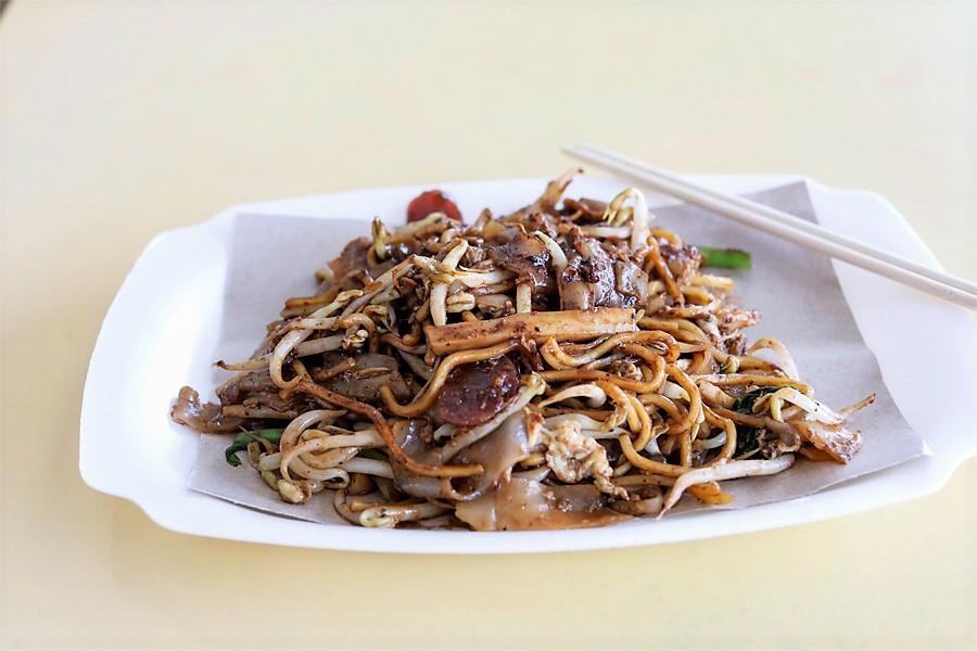Lao Fu Zi Fried Kway Teow – Good-Old Char Kway Teow At Old Airport Road Food Centre, With Michelin Bib Gourmand