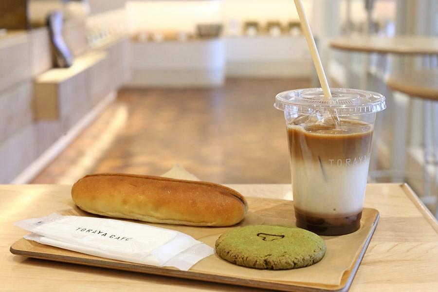 Toraya Café – An Azuki Red Bean Dedicated Café Found At Shinjuku, Tokyo