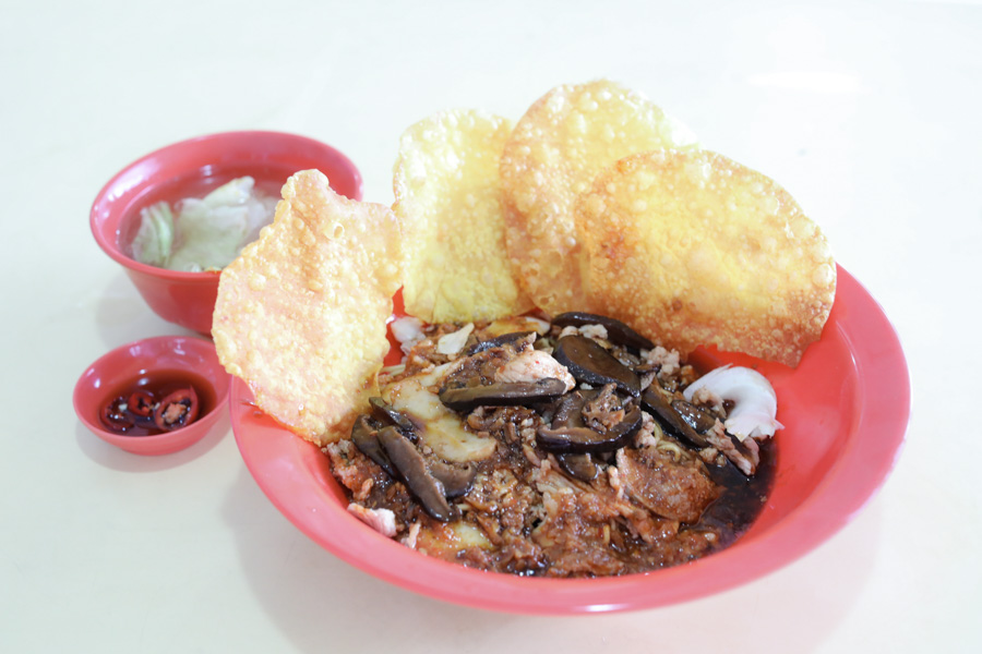 """Hup Hup Minced Meat Noodle – Bak Chor Mee With Ketchup, """"Attitude"""" And Michelin Recommendation, At Ang Mo Kio Ave 6"""