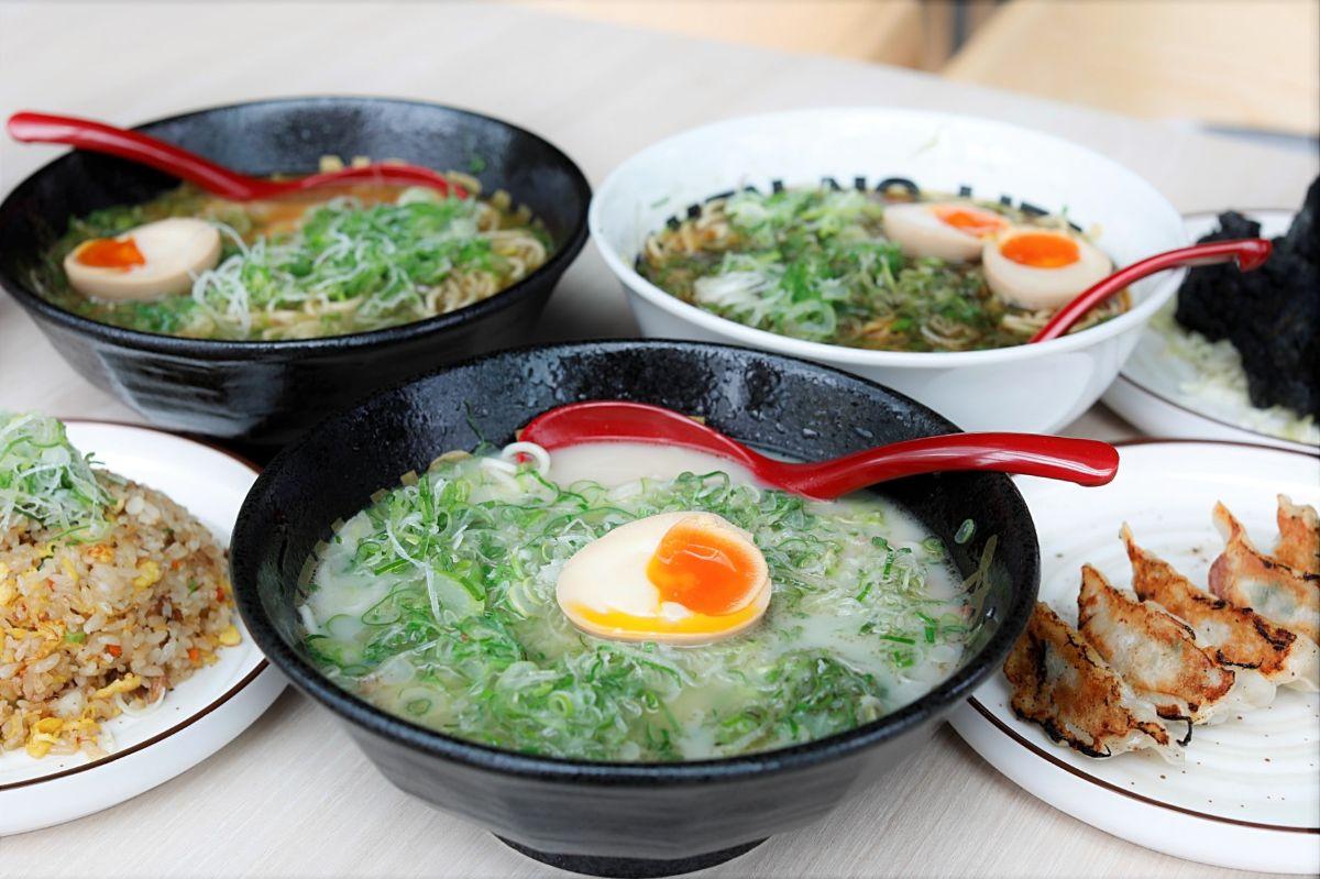 18 NEW Ramen Restaurants In Singapore, From Menbaka Fire Ramen, Niku King, To Menya Kanae With Prawn Ramen