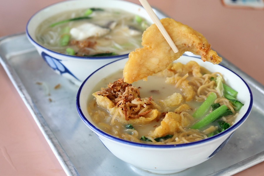 Beach Road Fish Head Bee Hoon Tasty Fried Fish Soup At Whampoa Makan Place With Michelin Bib Gourmand Danielfooddiary Com