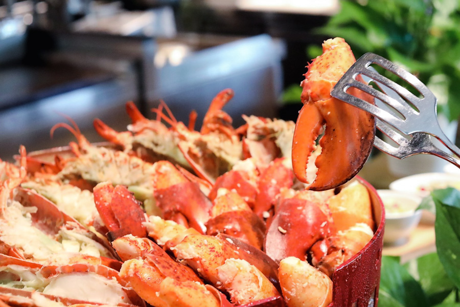 Lobsterfest – ALL-You-Can-Eat LOBSTERS At PARKROYAL on